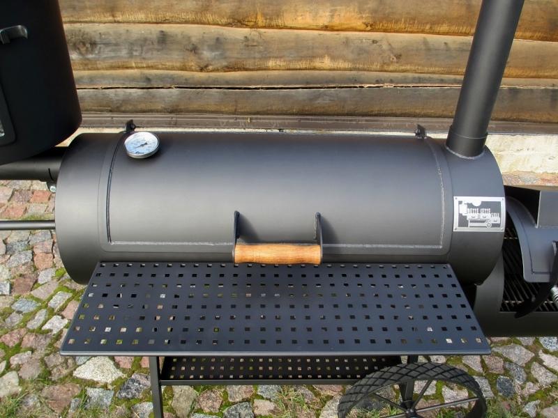 Reverse Flow Smoker 16